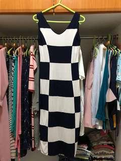 Cotton dress w/ back slit