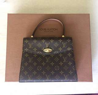 Louis vuitton vintage kelly style top handle satchel