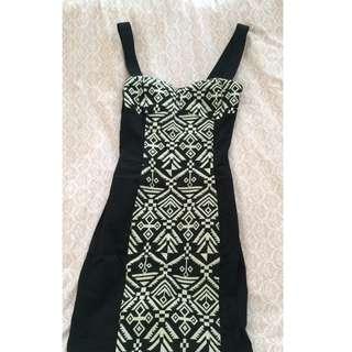 H&M BLACK & WHITE DRESS (32)