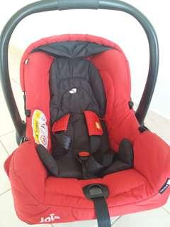 Baby car seat / carrier / joie gemm