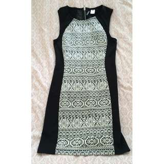 H&M BLACK & WHITE DRESS (34)