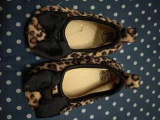 Baby shoes leopard