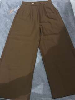 Golded brown highwaisted pants