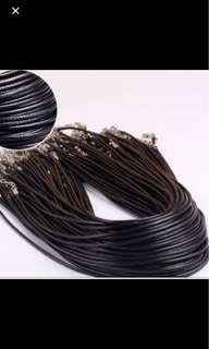 Instock Leather Black Choker