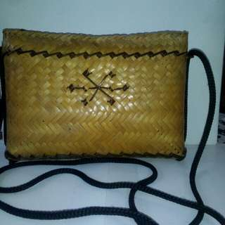 Ratan sling bag
