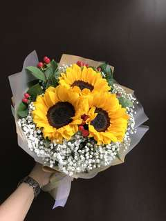 3 sunflowers Hypericum And Baby Breath Bouquet