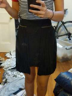 PLEATED BLACK SKIRT WITH ZIP DETAILING