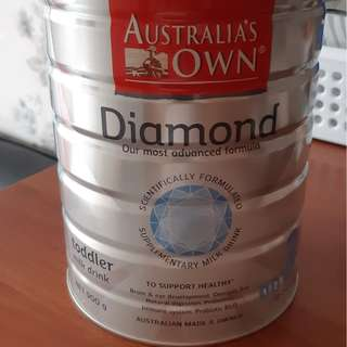 AUSTRALIA'S OWN DIAMOND FORMULA MILK