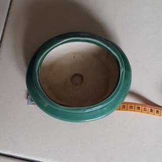 Celamic plant pot