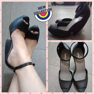 High heel shoes 400 ONLY.
