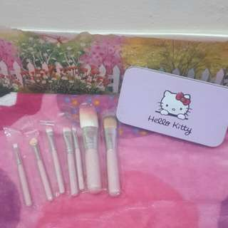 Kuas makeup hellokitty