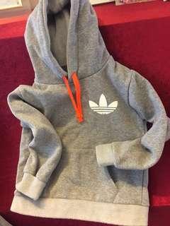 Adidas運動服一套  適合4~6歲