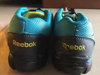 Reebok UK3 1/2 EURO 35 Shoes