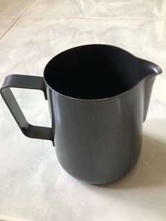Milk Pitcher for latte art (600ml, black)