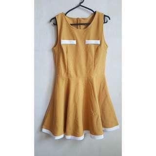{Preloved} Sleeveless Yellow dress