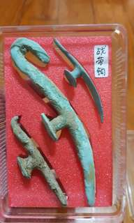 Han dynasty belt hooks