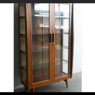 Looking to buy vintage antique furniture