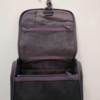 Auth Muji Toiletry Bag