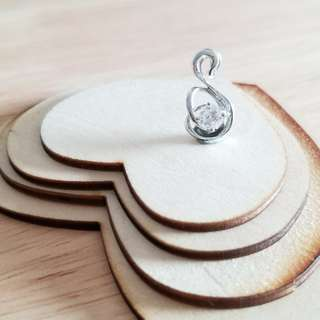 18K 小天鵝鑽石吊咀
