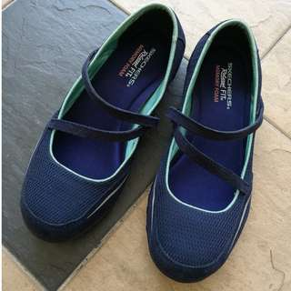 Skechers Relaxed Fit Mary Janes (size 9)