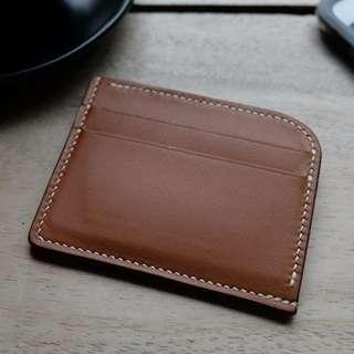 A|05 Handstitched Deluxe Cardholder