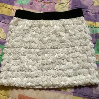 Floral mini skirt with beautiful detail