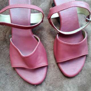 liliw sandals maroon color
