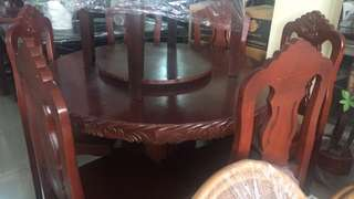 BRAND NEW ROUND DINING TABLE