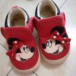 Minnie Baby Shoes (used)