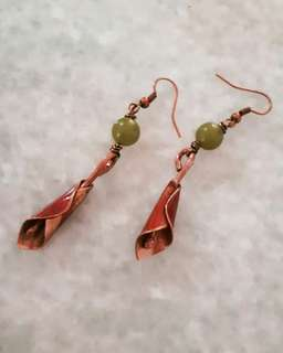 Anting Lily