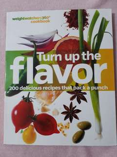 """Selling my """"Weightatchers 360 cookbook- Turn up the flavor"""