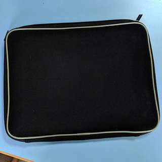 "13"" black laptop bag"