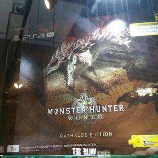 Monster hunter world Rathalos Edition Ps4 Pro
