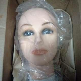 Bald head mannequin