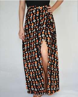 Garterized maxi skirt