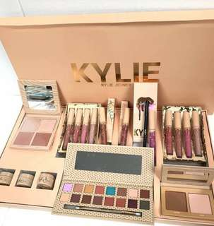 Kylie Jenner Makeup set murah