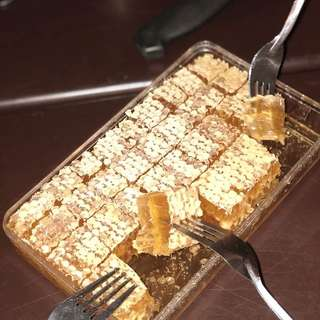 Sarang madu / honey comb