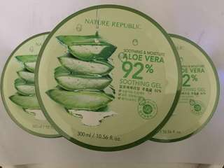 Nature Republic Aloe Vera Soothing and Moisture 92%