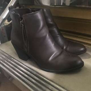 Forever 21 boots size 7.5