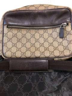 Gucci Bag 斜背袋 單邊袋 (not Chanel LV Prada Hermes)