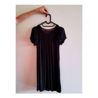 Slo-mo black mini dress