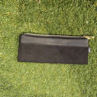SMALL SIZE 1ZIP BLACK COLOR PENCIL CASE( FREE SHIPPING)
