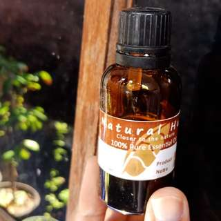 Natural Hut Tea Tree Oil Acne / Minyak Pohon Teh Jerawat