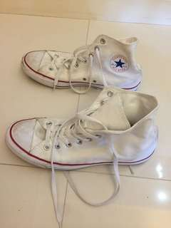 Converse almost new (size 43 Europe. 9.5 UK)