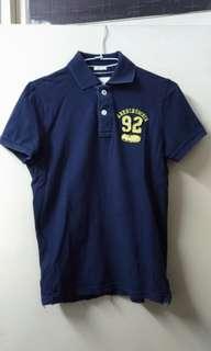 🚚 A&F KID洗舊藍Polo衫XL