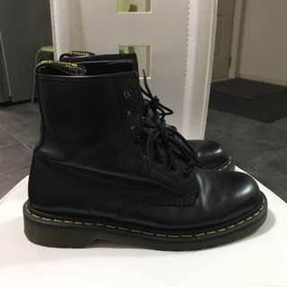 Pre-owned Dr Martens 8-eye boots black smooth