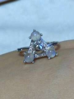 🍍$38 Special Promo - Natural Blue Moonstone Triangle Ring 蓝月光 三角形 戒指🍍