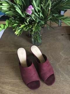 💕CHARLES & KEITH, SIZE 37💕