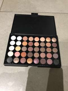 Neutral coloured eye shadow pallete