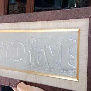 Frame Bingkai Tulisan God Is Love Pajangan Hiasan Dekorasi Furnitur Barang Antik